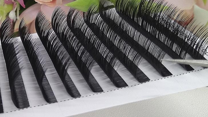 Из каких материалов делают накладные ресницы