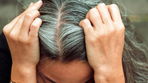 Откуда берутся седые волосы